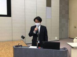 「法定調書の作成」を説明中の千葉南税務署 鈴木法人課税第二部門統括官