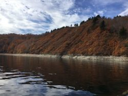 紅葉真っ盛りの秘境奥只見湖