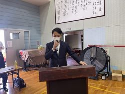 司会中の田村青年部会運営専務