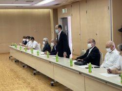 法人会を代表して麻薙会長挨拶